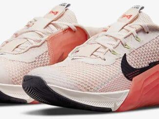 Nike Metcon 7 Women's quarter view pair